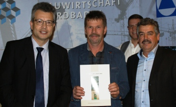 http://www.bau-nordbaden.de/index.php?eID=tx_nawsecuredl&u=0&g=0&t=1425327762&hash=4fe4183475590e6c1002ca293aaf5f627b6e756e&file=uploads/media/5_Meisterhaft_Sterne_Stegmueller_und_Linder.pdf